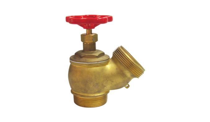 ¿Cómo enrollar y utilizar correctamente la manguera contra incendios?